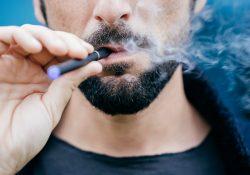 Les cigarettes électroniques sont-elles meilleures que le tabagisme? Ce que le vapotage fait à votre corps
