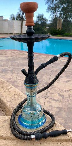 pharaon noir et bleu nysa shisha près de la piscine