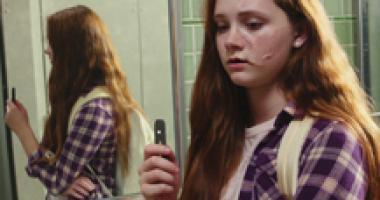 Jeunes avec e-cigarette