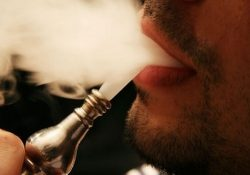 Coronavirus de Londres: avertissement que fumer des chichas dans les bars à chicha de Londres pourrait propager le coronavirus