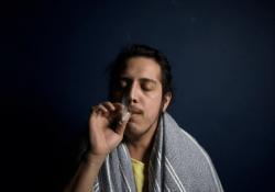 Différentes façons de fumer de la marijuana et d'utiliser des appareils